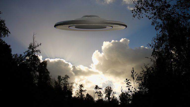 ¿EE.UU tiene pacto secreto con extraterrestres?